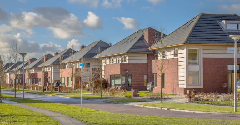 Huizen in woonwijk
